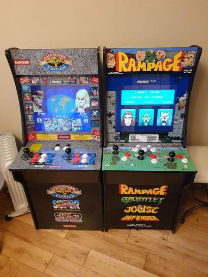 1up arcade machine with either streetfighter 2 games or midway