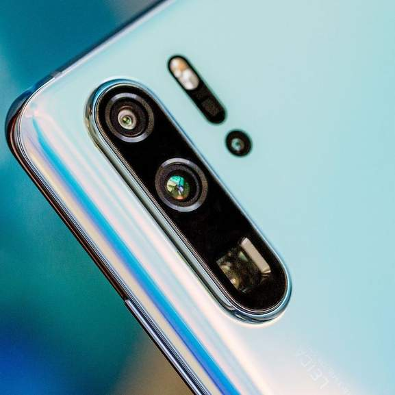 Huawei P30 Pro 3 cameras in blue