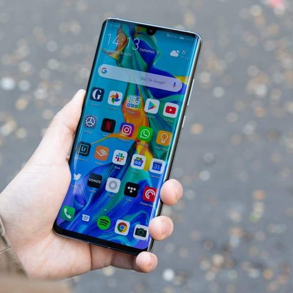 Huawei P30 Pro in a hand
