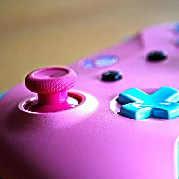 Pink customised xbox one controller