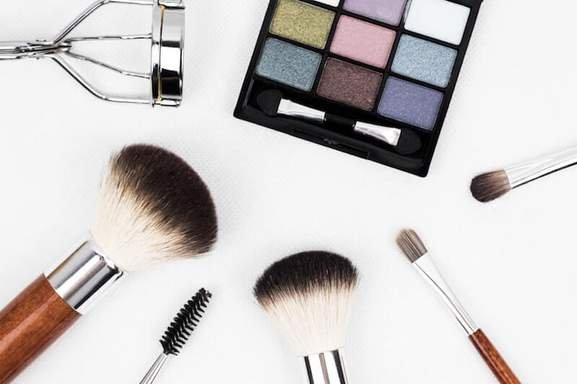 black make up palette and brush set