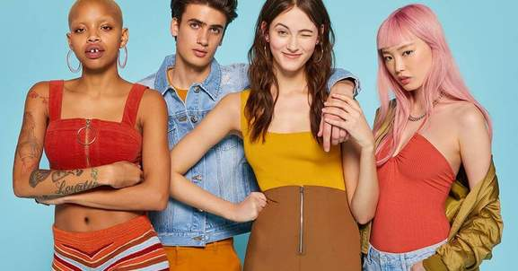 3 women and 1 men wearing forever 21 fashion
