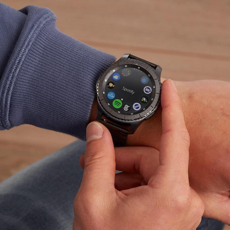 Spotfiy app on Samsung Gear S3 on wrist