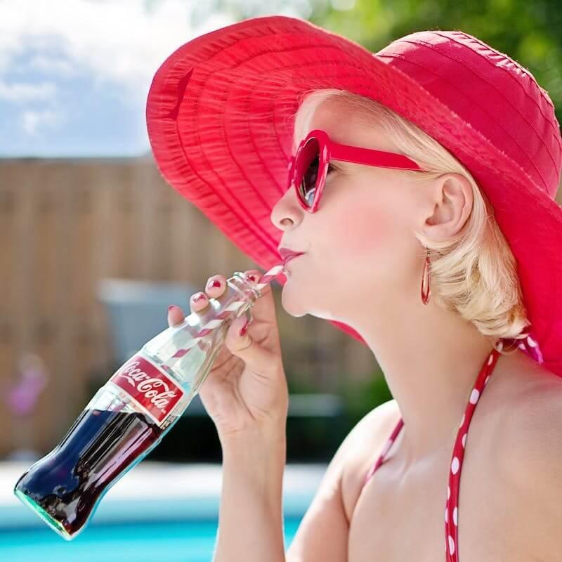 coca cola woman