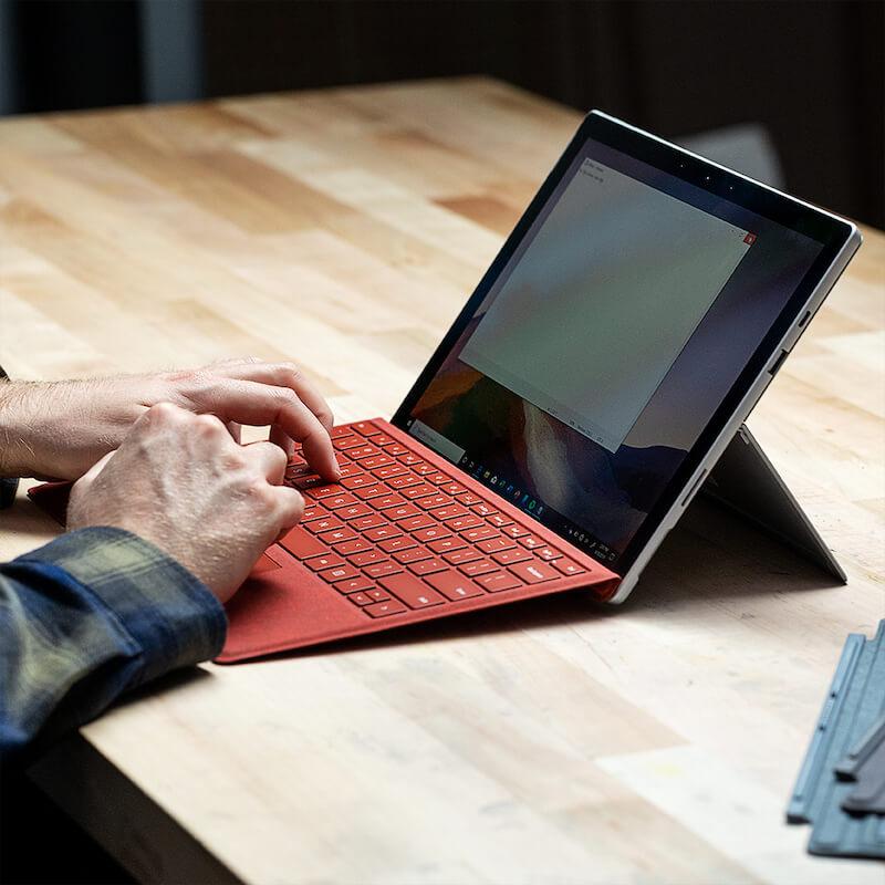 surface pro 6 on desk