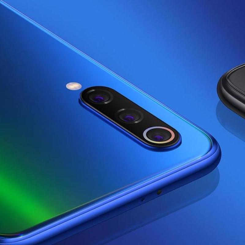 Xiaomi Mi 9 triple len cameras