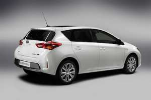 Toyota Auris 1.4 D-4D Icon Lease 24 months @ National Vehicle Solutions