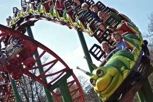 Poultons Park With Peppa Pig World - 2 days worth of Tickets and Night in Hotel With Breakfast from £177 (based on Fam four = from £44.25pp)