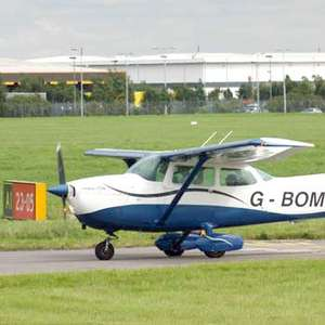 Two Hour Flight Experience One flight as pilot + one as passenger, was £225 now £99 @ intotheblue