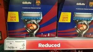 gillette fusion fc Barcelona wash bag, shave gel, 3 blades, handle. reduced to £5 . adsa wythenshawe