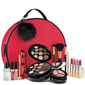 Spend £30 and get the Holiday Blockbuster for only £56 (worth £321) @ Elizabeth Arden
