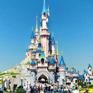 Disneyland Paris 2 night stay including park tickets & return flights in December Christmas season £109.65pp / £219.30 for 2 -poss 18%Quidco