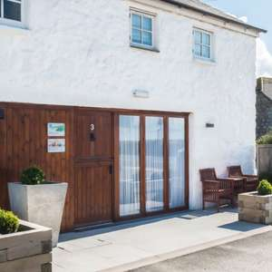 4 nights self-catering Cornwall (Sennen) for 2 people £99  (7 nights £159) - The Saddle and Stablerooms @ Travelzoo