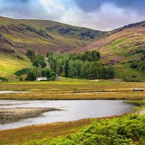 Overnight stay near Aberdeen with bubbly & cooked breakfast for two £59 @ Travelzoo