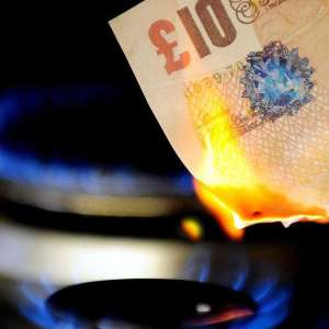 UK energy company Bulb seeks funds to stay afloat + Other companies cease trading / financial trouble (+Current offers/what if they go bust)