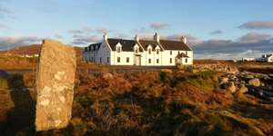 1 Night at the 4* Polochar Inn (Outer Hebrides) - Including Breakfast & Late Checkout - £79 @ Travelzoo