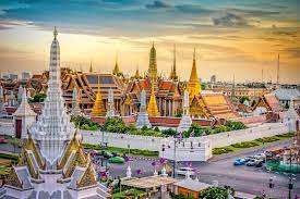 Return Singapore Airlines flight to Bangkok (Departing LHR / Nov - June dates / Including 25kg checked baggage) - £393 @ Singapore Airlines