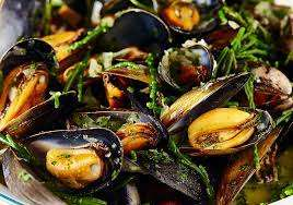 Loch Fyne Fresh Scottish Mussels 2kg - £4.99 instore only @ Costco