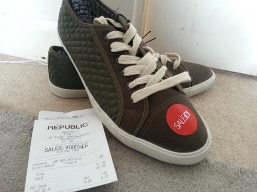 Mens Khaki shoes. £1 @ Republic