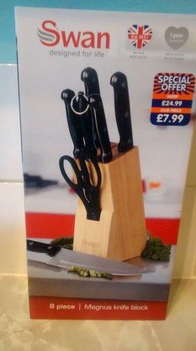 Swan Magnus 8 Piece Knife Block @ B&M £7.99 instore only