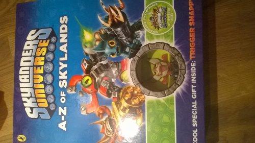 SKYLANDERS UNIVERSE A-Z of skylands (Book, figure and guide) £1.99 RRP £14.99 HOME BARGAINS (instore)