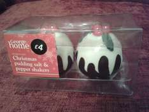 christmas pudding salt & pepper shakers £2 Asda