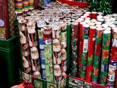 xmas wrapping paper 6 rolls for £1 @ card factory instore