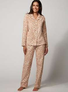 Giraffe print pyjamas in a bag, £9.50 from £32 online, ALL SIZES from 6 to 18 @ Boux Avenue, free c&c