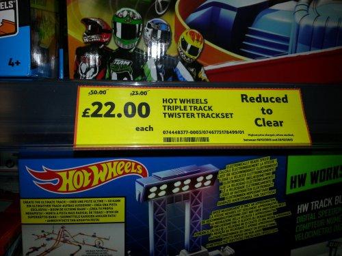 Hot Wheels Triple Track Twister Trackset £22 @ Tescos - Basildon