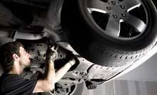 MOT Test (£19) or 54-Point Inspection With Oil Change (£39) at Bsmart Autocentre