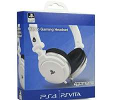 licensed ps4 stereo headset £17.99 @ game