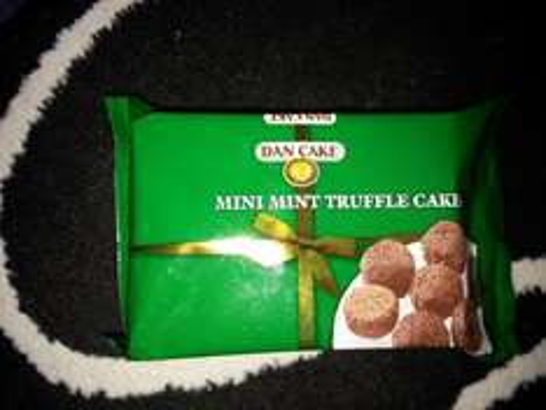 Mini mint truffle cakes Iceland 37p