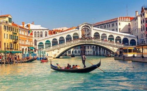 Return flights to Venice £26 @ Fly.com