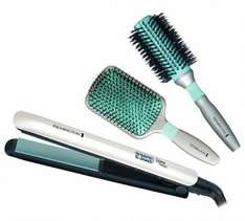 Remington Shine Therapy Hair Straightener Gift Pack RPR£89.99 £31.99 @ Argos