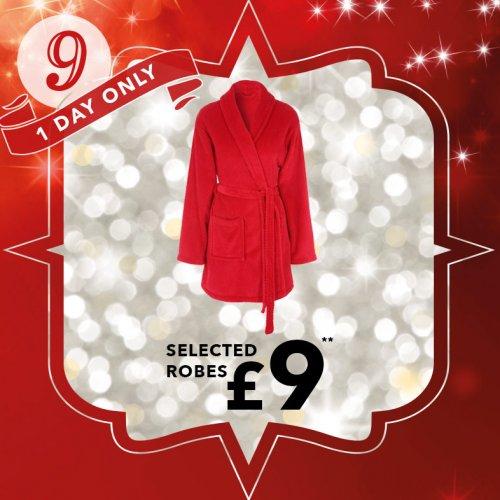 Ladies Dressing Gown Red/Brown/Pink £9 @ Peacocks (Plus 99p postage)