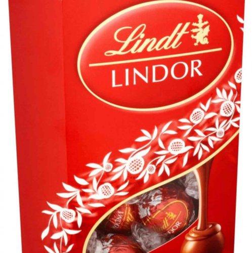 Lindt Lindor Milk Chocolate Truffles 337g Bargain Price of £3 @ Wilko