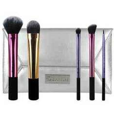 Real Techniques Deluxe Holiday set £9.99 back in stock online at superdrug (Free C&C)
