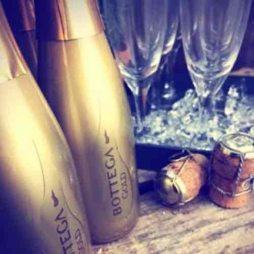 Bottega Gold Prosecco 24x20cl £78.75 plus £4.95 delivery @ drinksupermarket
