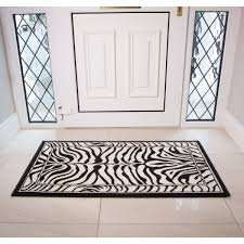 Rugs, runners & mats are on sale @ Kukoon.com, price starts from £7.46, with FREE DELIVERY