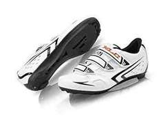 XLC By Raleigh Road Bike / Cycling Shoes Size 6.5 / 40 - CLEARANCE - Very Limited Quantity ! £19.99 delivered Dispatched from and sold by Roaduserdirect