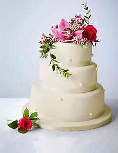 Romantic Pearl Chocolate Wedding Cake (Ivory Icing) £199 @ Marks & Spencer