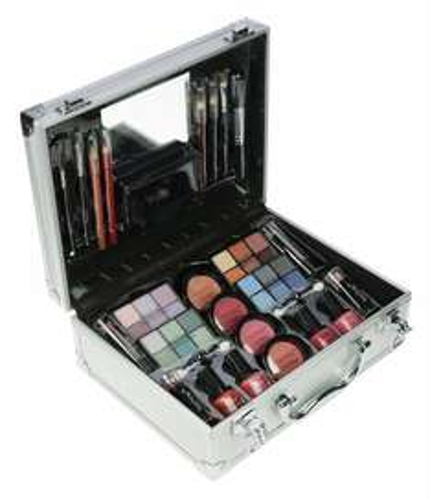 Technic Large Beauty Case with Cosmetics £8.99 prime / £13.74 non prime (Amazon)