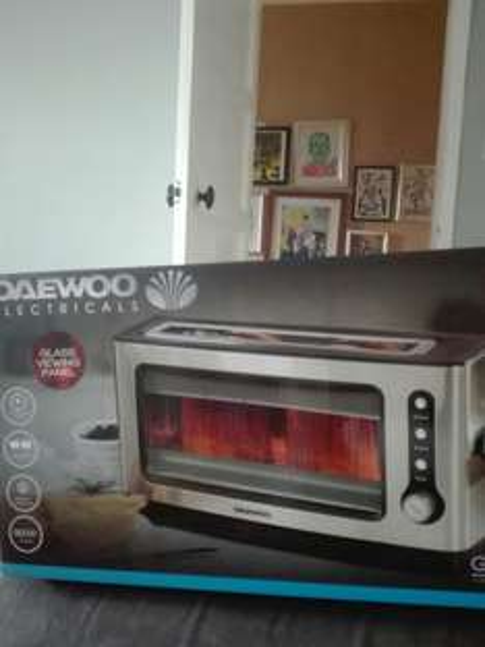 Daewoo see through glass toaster £14.99 @ B&M instore