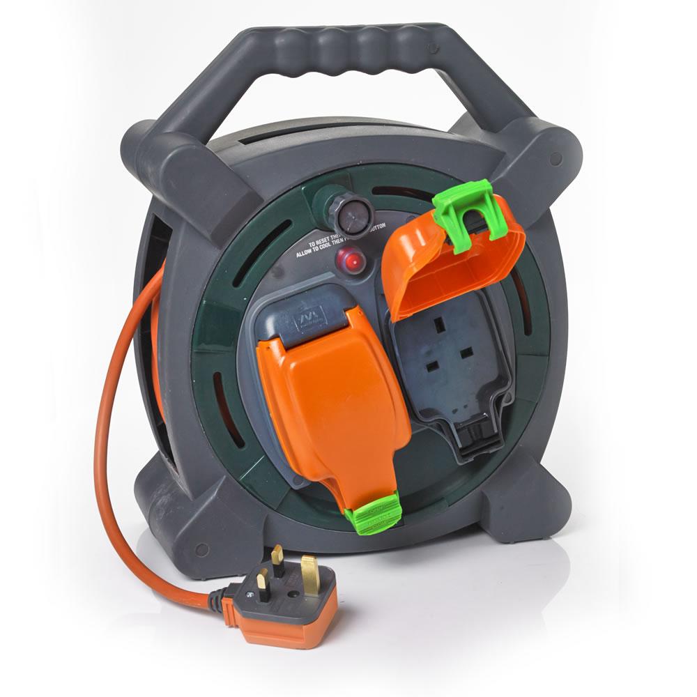 Wilko instore Waterproof 2 Socket 20M 13amp Cable Reel £5