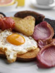 Buy any hot drink at BHS and get a cooked breakfast for 99p!