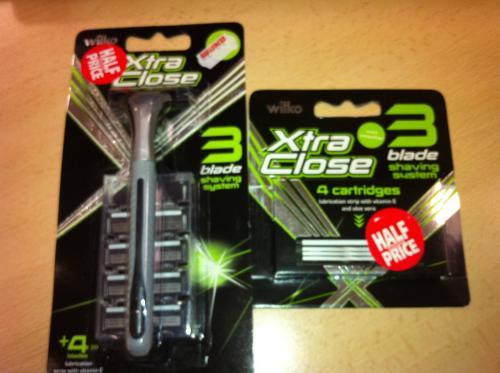 Wilkinsons Xtra Close Razor and 4 Blades £1.00