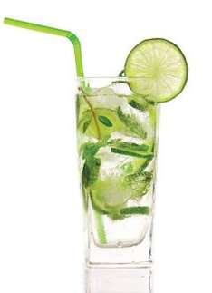 Free £6.50 Cocktail or Beer or Fruit Crush @ Pitcher & Piano