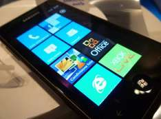 Samsung Omnia Windows Phone  300 mins, unlimited texts, 500mb internet  £388 @ Groupon