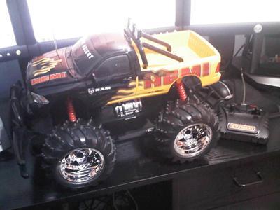 New Bright 1:10 Scale Jeep Wrangler/Dodge Hemi Radio Controlled Bugg - £19.20 @ Tesco Direct