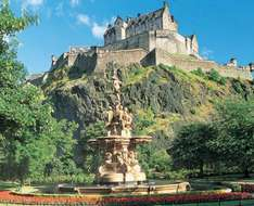 Rail + Hotel: Edinburgh Travelodges with Superbreak from £79.50pp
